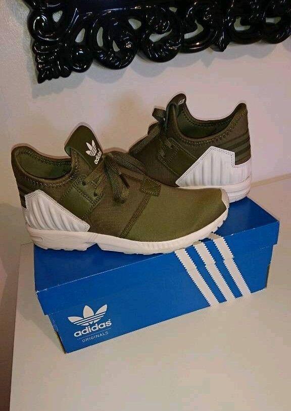 595c2ed64 Khaki green ZX FLUX adidas torsion trainers. Womens   mens   unisex. Size 6