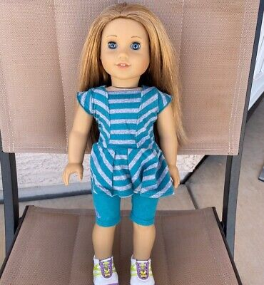 American Girl Doll McKenna, used, very good condition!Original clothes. Retired.