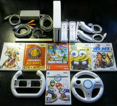 Nintendo Wii Console Bundle (Mario Kart & Wheels New Super Mario Bros All-Stars)