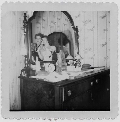 OLD PHOTO 2 WOMEN REFLECTIONS IN 2 MIRRORS DRESSER 1940S
