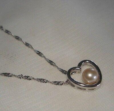 14K White Gold Cultured Peach FW Pearl Heart 18