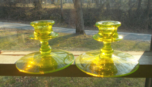 ANTIQUE MATCHING PAIR OF YELLOW VASELINE GLASS CANDLESTICKS CANDLE HOLDERS MINT