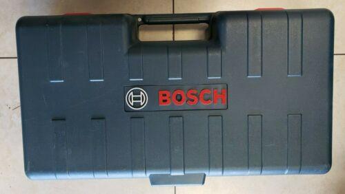 Bosch BT 152 Aluminum Contractor Tripod with 8ft grade rod