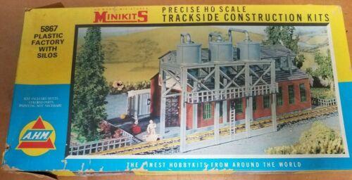 Minikits HO Plastic Factory with Silos #5867 - FREE SHIPPING