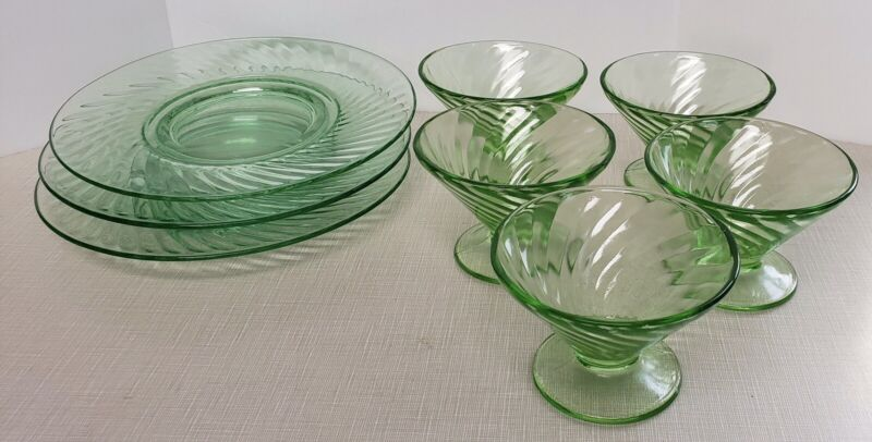 Vintage 1940s Green Glass Uranium Swirl Luncheon Plates And Sherbet Glasses (8)