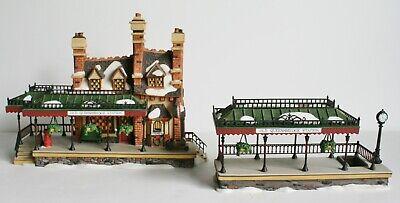 Department 56 Dickens Village 1999 Old Queensbridge Station Set of 2 58443
