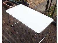 3.7ft x 2ft x 1.6ft Extentable + Portable Trestle Table in excellent condition Festivals Markets