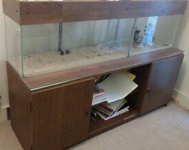 3 Aquariums & 1 table/cupboard