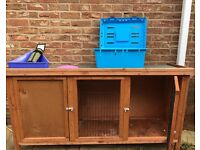 Rabbit hutch & Carry Box hutch 7ft pets at home used for a 2 week holiday