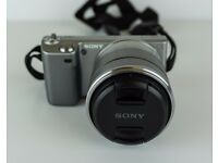 Sony NEX-5 Digital Camera (BOXED with ACCESSORIES plus EXTRA BATTERY)