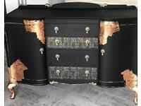 Beautiful black/ gold sideboard Dresser
