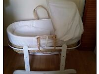 Moses basket with mattress, 2 sheets and rocker stand