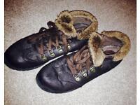 Cozy shoes / boots, size 6