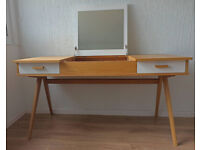 Dressing Table Makeup Desk with flip top mirror