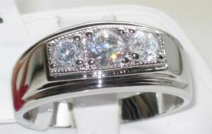 WOMENS-OR-MENS-3STONE-CLASSY-SIGNET-SIMULTED-DIAMOND-RING-3-25CT-STAINLESS-STEEL