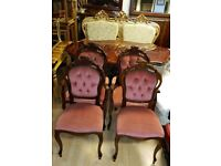 beautiful Italian dining table and 4 chairs, excellent condition.