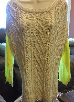 Uniq Ivory Cable Knit W/ Green Sleeves Acrylic Long Sleeve Crew Neck Sweater M - Acrylic Sweaters