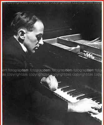 Henry COWELL playing his OWN COMPOSITIONs at the time of his BERLIN début 1923