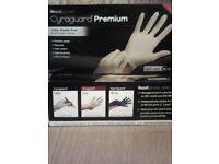 Latex powder free gloves
