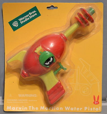 MARVIN The MARTIAN RAY GUN WATER PISTOL 1999 MOC RARE Looney Tunes WB Store Excl - Marvin The Martian Ray Gun