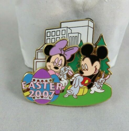 Disney Pin - NYC World of Disney - Easter 2007 - Mickey and Minnie Mouse