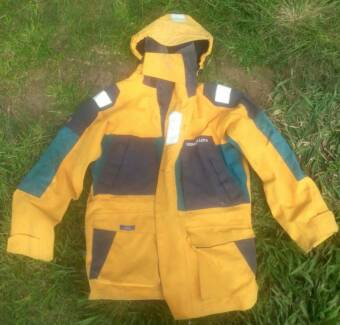 Henry Lloyd Goretex Offshore Wet weather gear Byron Bay Byron Area Preview