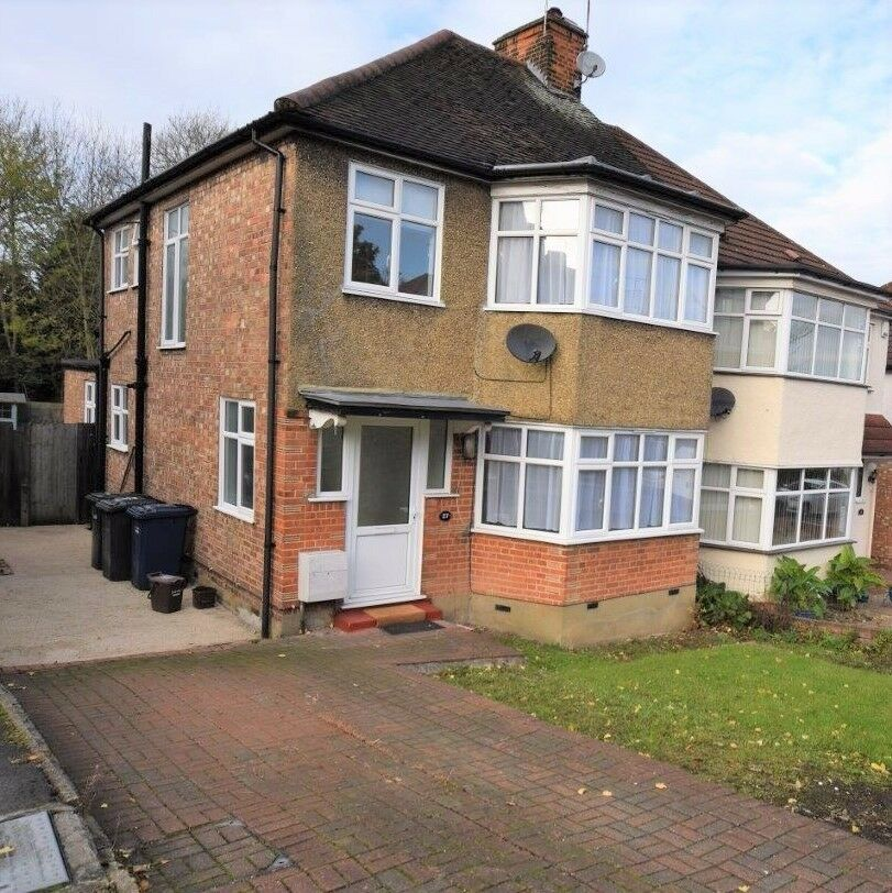 Stunning 3 bedroom house to rent in Barnet.