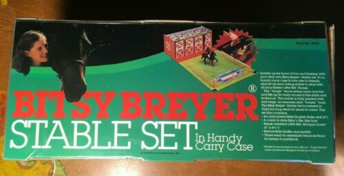 Vintage Bitsy Breyer Stable Set In Handy Carry Case Fold-up - STABLE ONLY