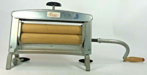 Vintage Handy Chamois Clothes Laundry Wringer Hand Crank Washer Roller Ringer
