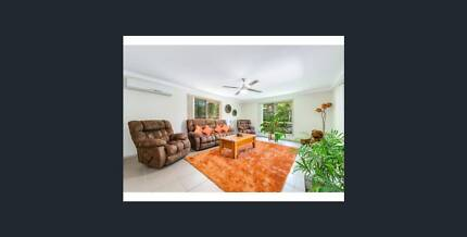 Big room for rent walking distance to Griffith Uni and GCUH