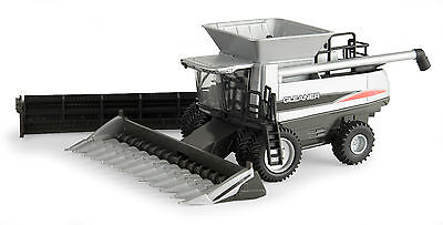 1/64 ERTL AGCO Gleaner A76 combine w/ two heads