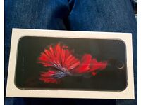 iPhone 6S 64gb all networks and sealed from Apple with receipt