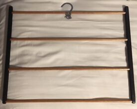 Scarf / tie hanger