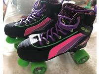 Roller skates, like new in excellent condition.