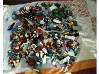 Approx 5kg Lego pieces and figures