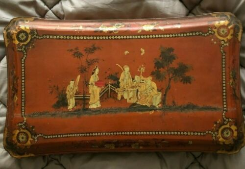 Lovely Chinese Large Lacquer Box Volong Canton circa 1850