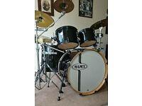 Mapex horizon drum kit.