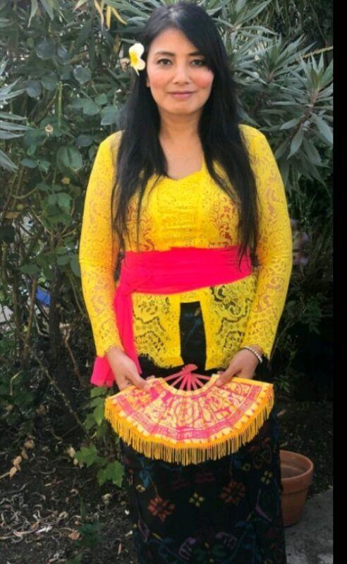 women Ethnic  kebaya bali indonesia