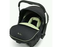 Silver cross 3D pistachio car seat and isofix base