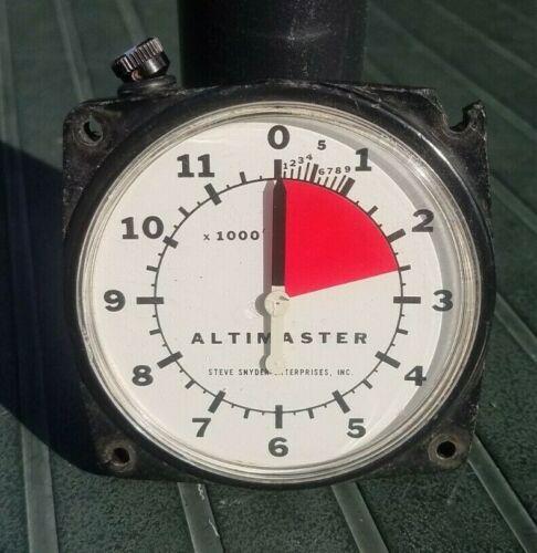 Vintage Altimaster Altimeter Skydiving - Steve Snyder Enterprises. Needs repair.