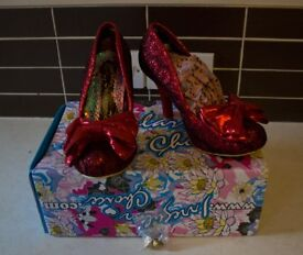 Irregular Choice - Mal E Bow Ladies Shoes in Metallic Lace - Size 6