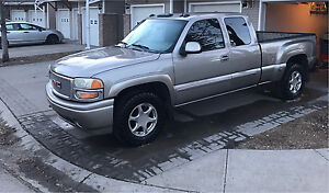 2003 GMC SIERRA 1500 DENALI LEATHER NO ACCIDENTS NO RUST