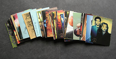 The X files Topps Season 1 complete base set - 72 cards