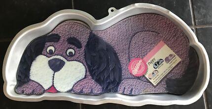 Wilton Novelty Cake Tin - Puppy