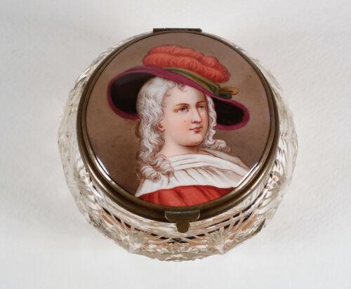 ANTIQUE GLASS CRYSTAL DRESSER JAR BOX DECORATED PORCELAIN PORTRAIT HINGED LID