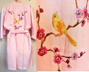 HAND-EMBROIDERED Vintage Rayon Robe Dressing Gown Pink M Ladies 8 10 Womens Floral Yellow Bird Embroidery NWT OAKVILLE