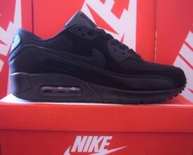 Brand new in box NIKE AIR MAX 90 *TRIPLE BLACK* Click for more images & details