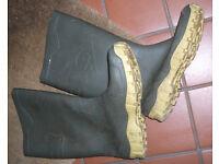 Gents Wellies Dunlop size 8 / EU 42