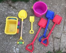 Bundle children's bucket & spades beach toys