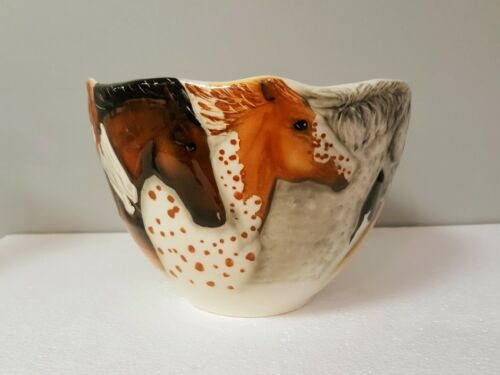 Large Horse Portrait Bowl American Art Pottery, Happy Appy Valley Studio – USA
